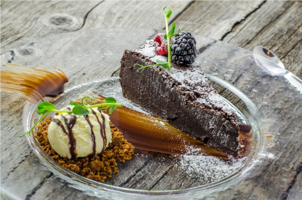 Brownie cu inghetata de vanilie