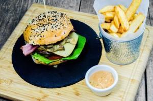 resize-Hugo's-Burger