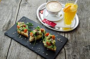 resizeMD-Toast-cu-humus-si-avocado